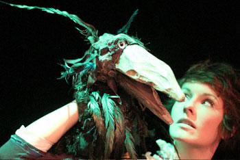 Die kleine Hexe am 03.03. um 11.00 Uhr und um 16.00 Uhr von der Puppenspielkompanie Handmaids aus Berlin im Kinder-und Jugendtheater Frankfurt