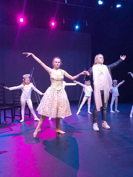 Jeder will doch lieben - Russisches Kindertheater im Kinder-und Jugendtheater Frankfurt